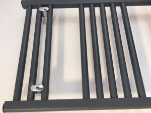 Aluminiowy grzejnik łazienkowy Fondital Cool 860x450 ardesia
