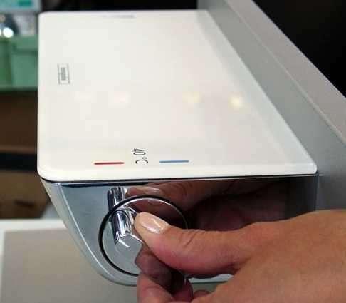 Bateria prysznicowa Hansgrohe w wersji kolorystycznej biały chrom-image_Hansgrohe_13161400_6
