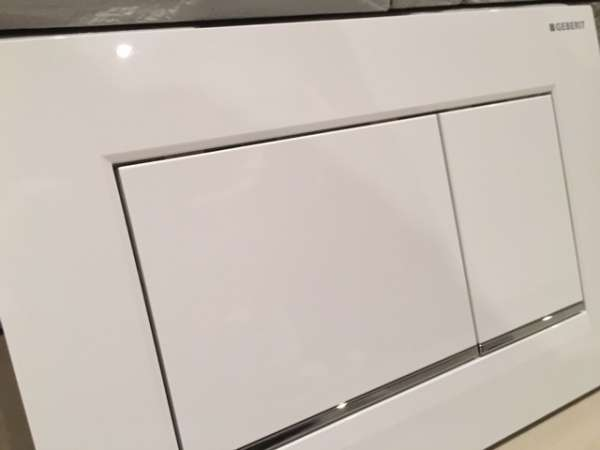 Geberit Sigma30 115.883.KJ.1 to jeden z najpopularniejszych przycisków wybieranych przez naszych klientów do swoich łazienek.-image_Geberit_115.883.KJ.1_9