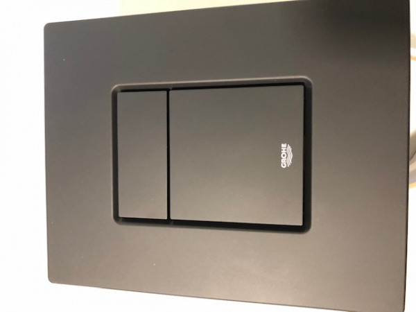 Klawisz uruchamiający spłukiwanie czarny mat do stelaży podtynkowych wc Grohe Rapid SL Solido -image_Grohe_38732KF0_4